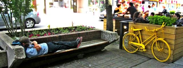 Rue Ontario, par un beau dimanche de juin